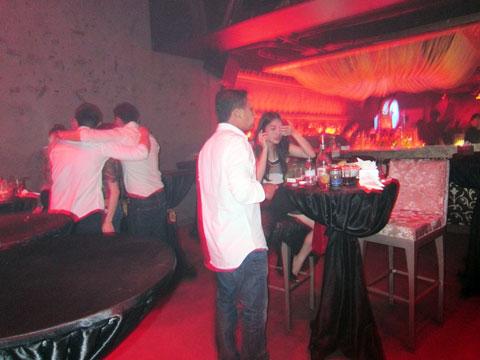 200 người trong bar Shisha lúc rạng sáng