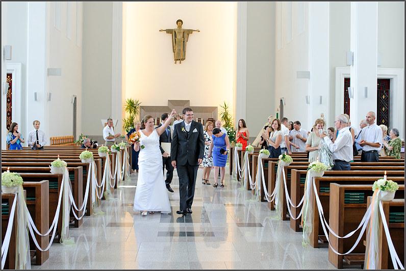 vestuvinė santuoka prisikėlimo bažnyčioje Kaune