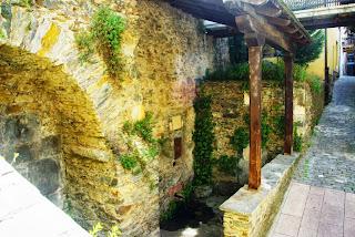 Vista de una fuente de Cangas del Narcea