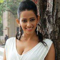Sanjana singh hot bollywood actress photoshoot in miniskirt
