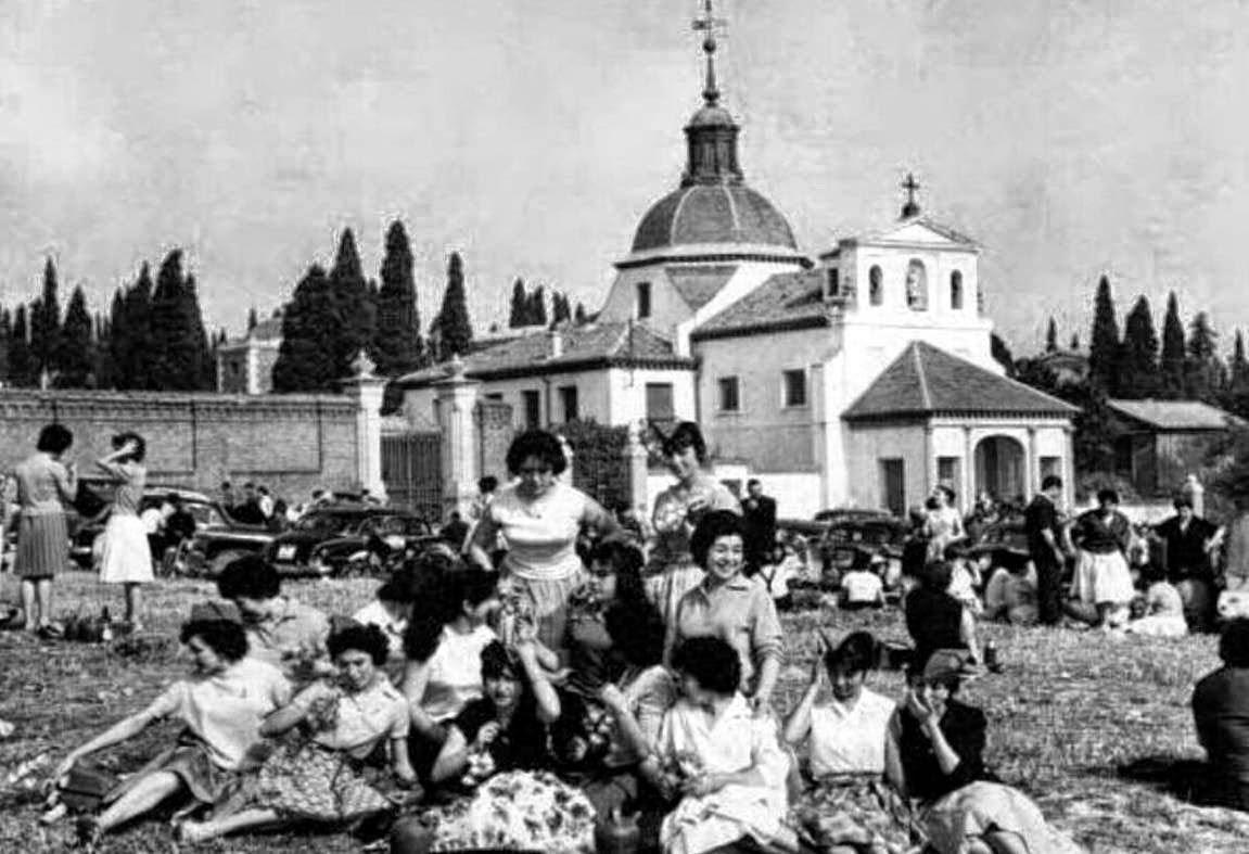 Fiestas populares en Madrid, pradera de San Isidro, Ermita San Isidro Labrador 1961