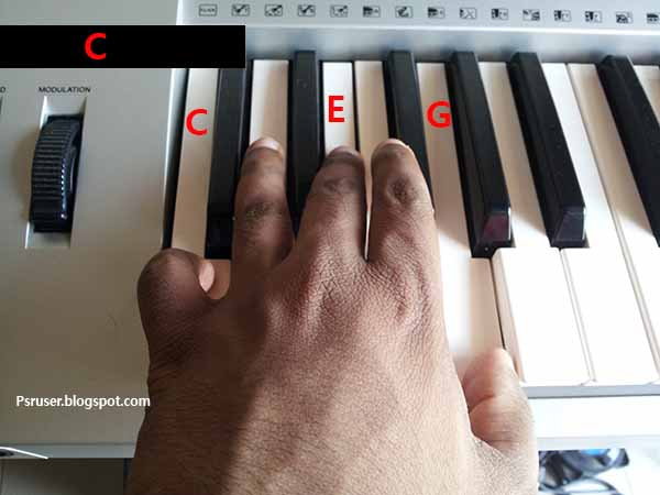 C major chord on keyboard
