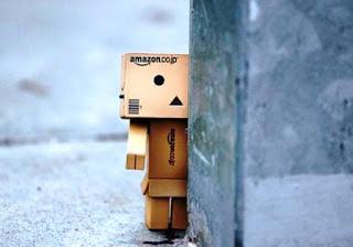 Boneka danbo sedih kesepian