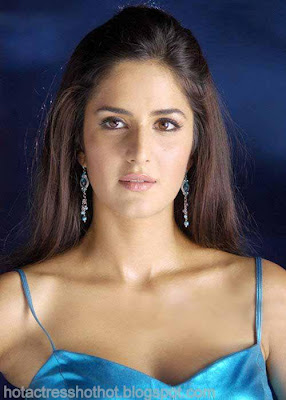 katrina kaif hot pics exposing cleavage in blue dress