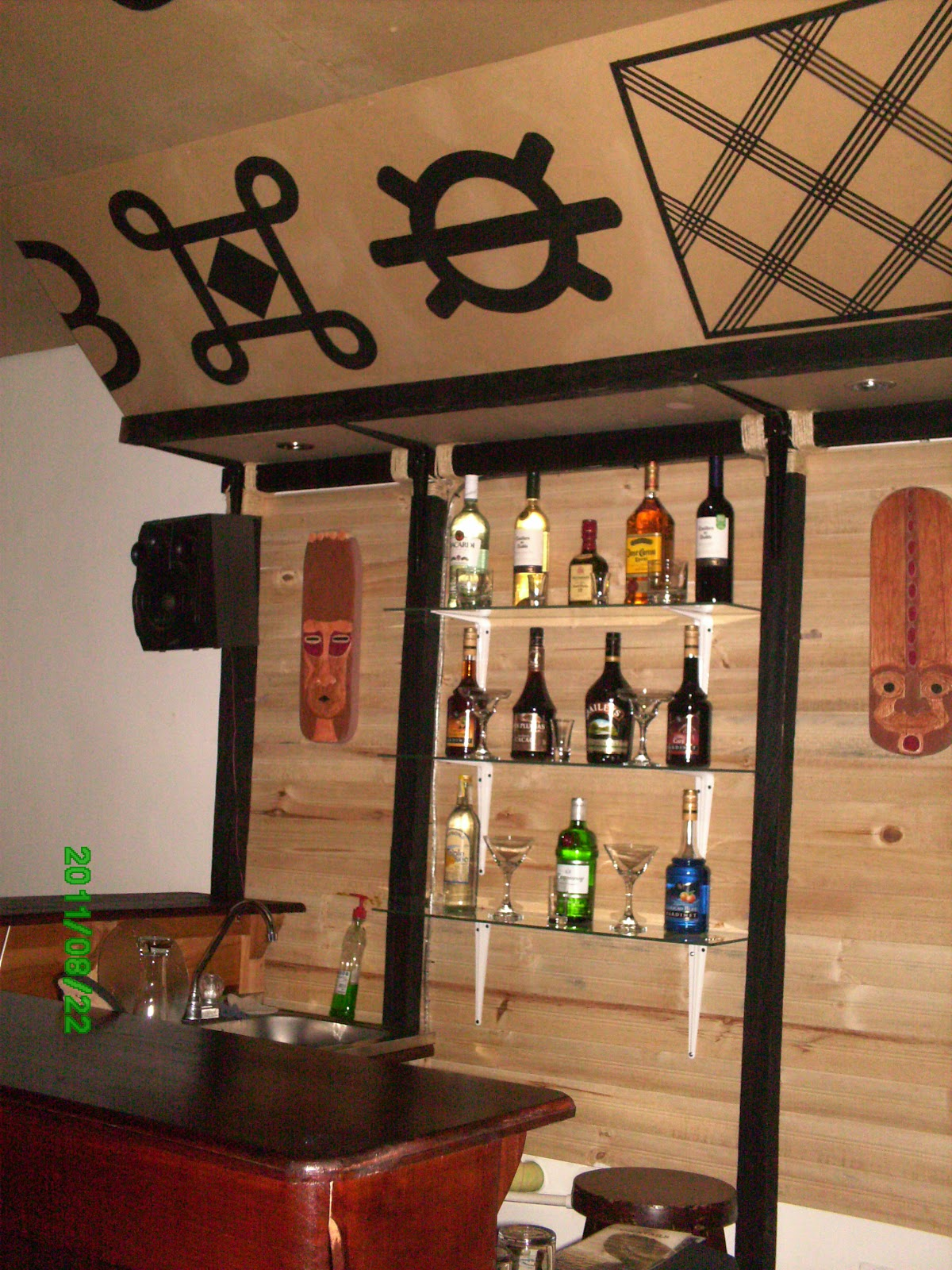 Dekogama decoraci n de bar mamba for Diseno de barras de bar en madera