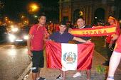 Latinos celebrando en España