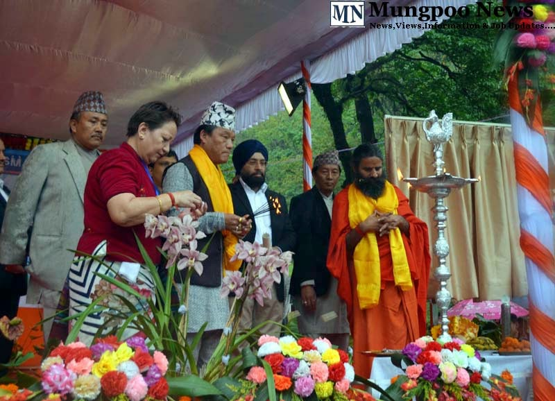 Baba Ramdev lighting up at Jogighat mungpoo