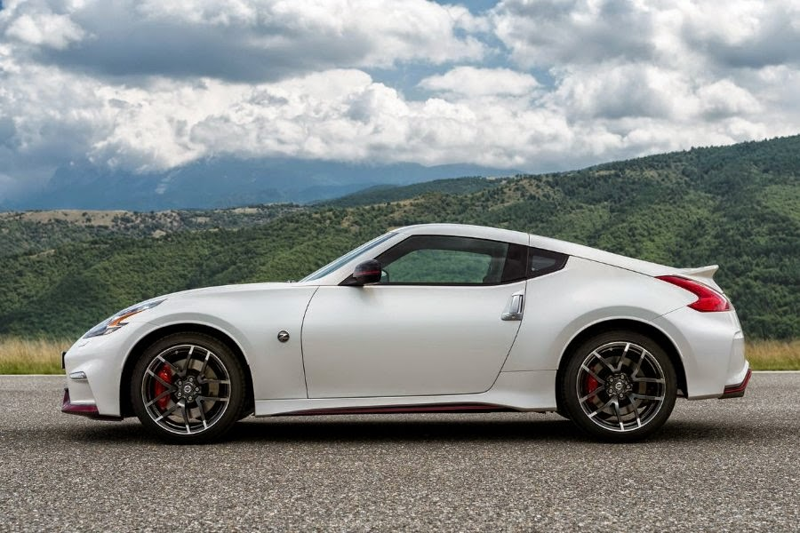 nissan updates the 370z nismo for 2015   autoesque