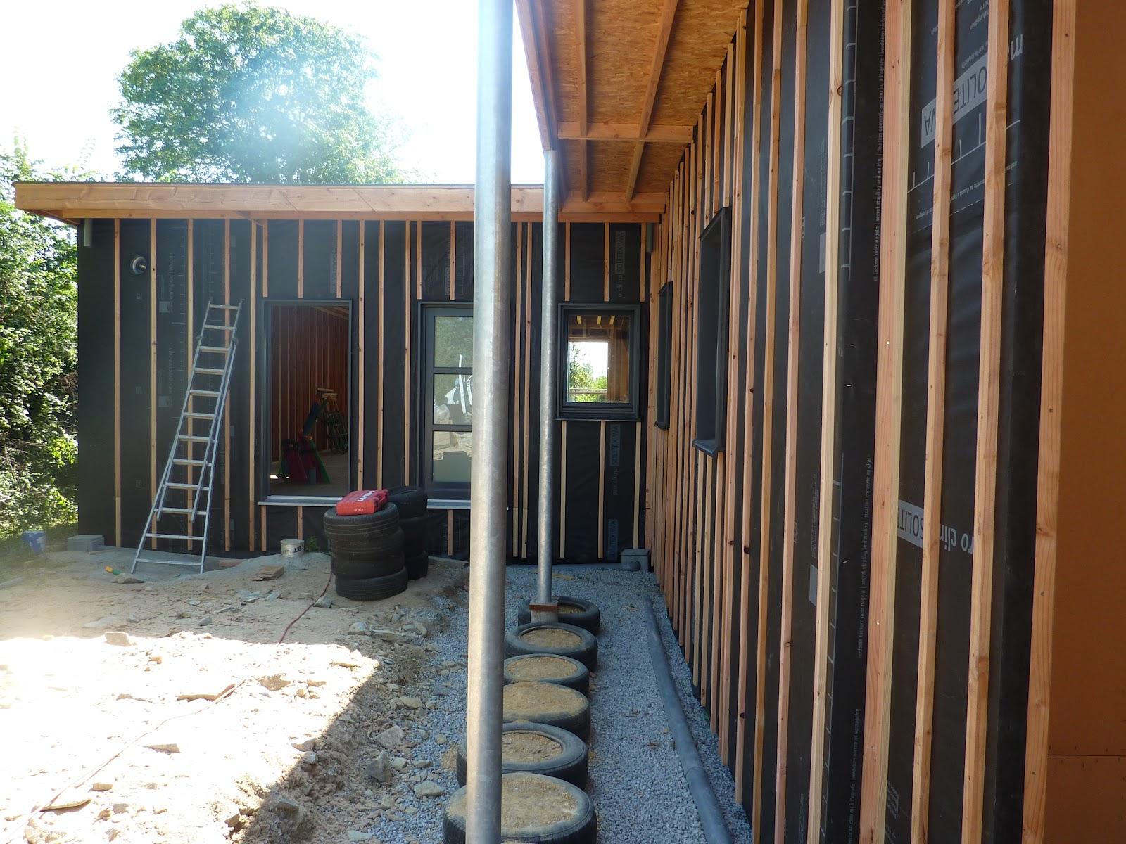 Les castors d 39 ebc construction d 39 une maison passive for Habiller un mur exterieur en bois