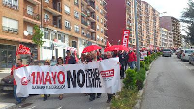Manifestacion primero de mayo a su paso por la calle recreo