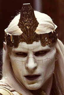 Nuada wearing the Crown of Bethmoora
