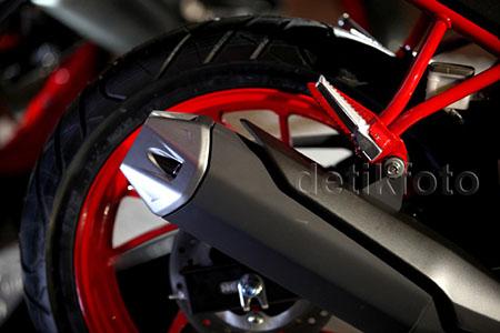 Honda CB150R StreetFire Special Edition 5