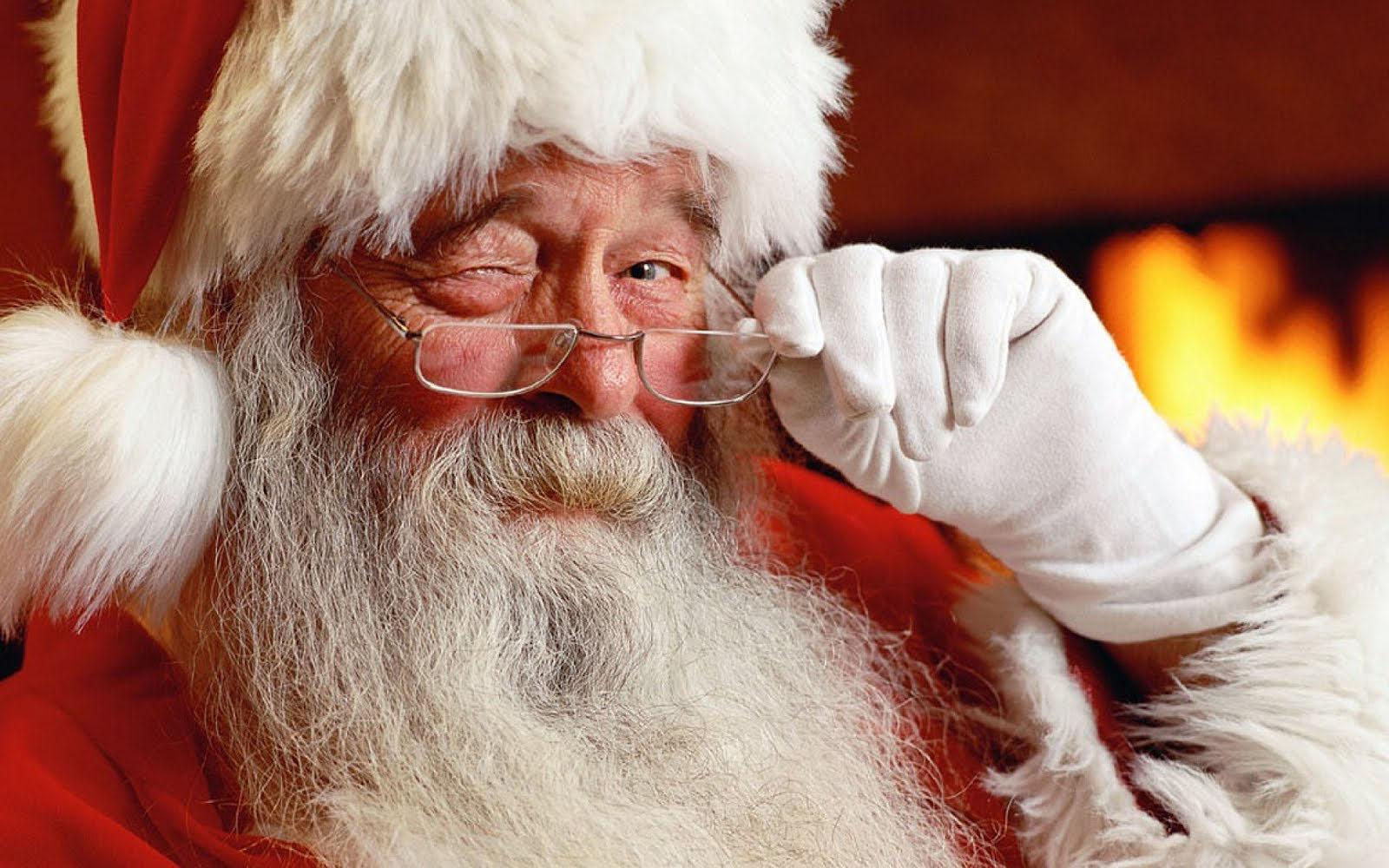 http://2.bp.blogspot.com/-V8vhtwuSw0c/Tq_ShV8HbhI/AAAAAAAAP0o/KPGG4BoOEoM/s1600/Mooie-kerstman-achtergronden-leuke-kerstman-wallpapers-afbeelding-plaatje-foto-1.jpg