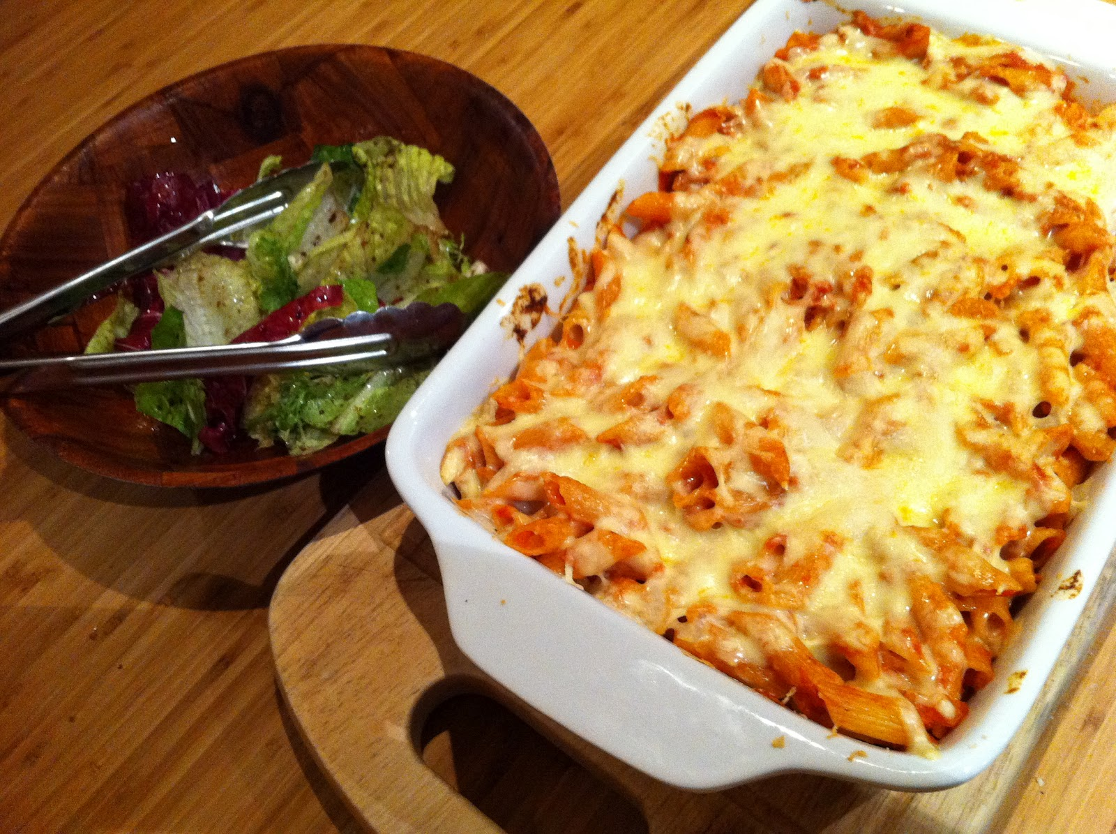 Working Meals for a Working Mum: Tomato and Tuna Pasta Bake
