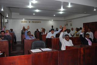 Regidores envían a Comisión propuesta de revocación de sueldo de Alcalde Francisco Fernández