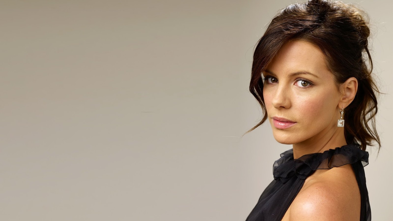 ALL ABOUT HOLLYWOOD STARS: Kate Beckinsale HD Wallpapers