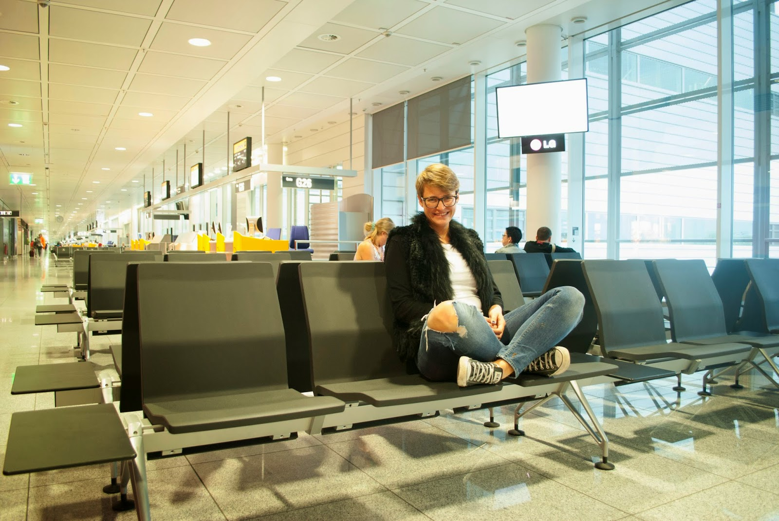 OOTD Travel to Fashion Blogger Café Airport Travel Outfit Flight Lufthansa Berlin Mercedes Benz Fashion Week