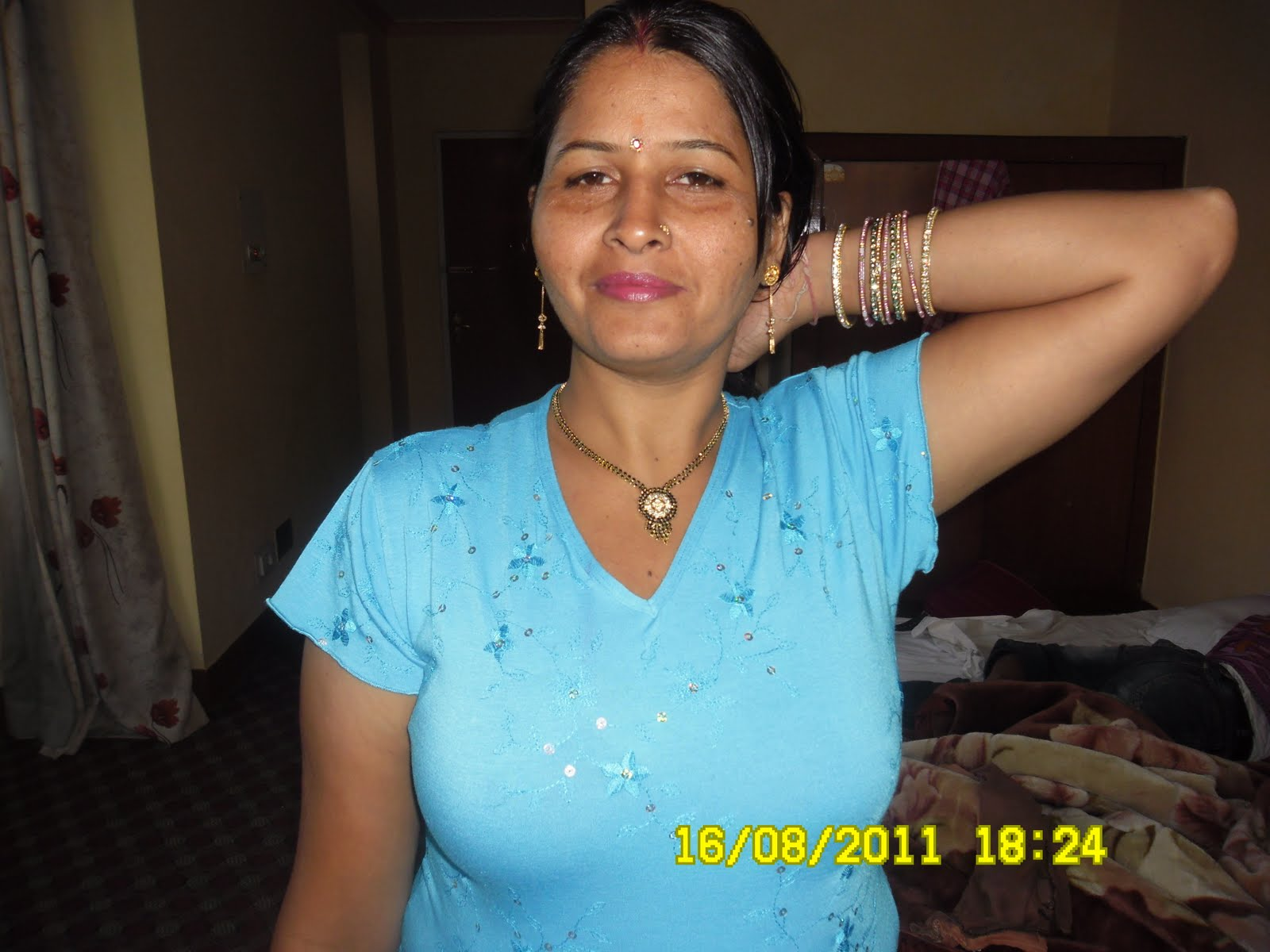 Indian Desi Young Girl   Nangi Ladki Ki Nangi Chut Ki Chudai Photos