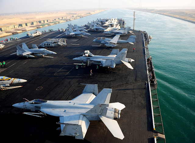 USS Abraham Lincoln (CVN 72) transits the Suez Canal.