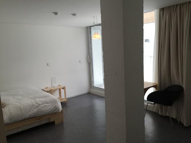 首爾小房子大門飯店 (Small House Big Door) - 4th Club房間有條柱