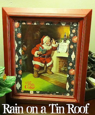 DIY Santa Prints {rainonatinroof.com} #art #santa #Christmas