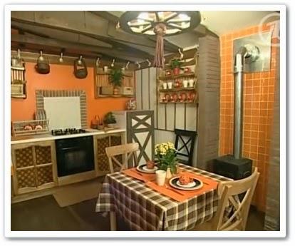 Кухня - гостиная в деревенском стиле