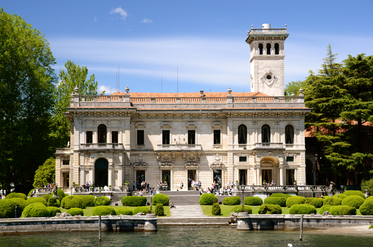 mansion in casino royale
