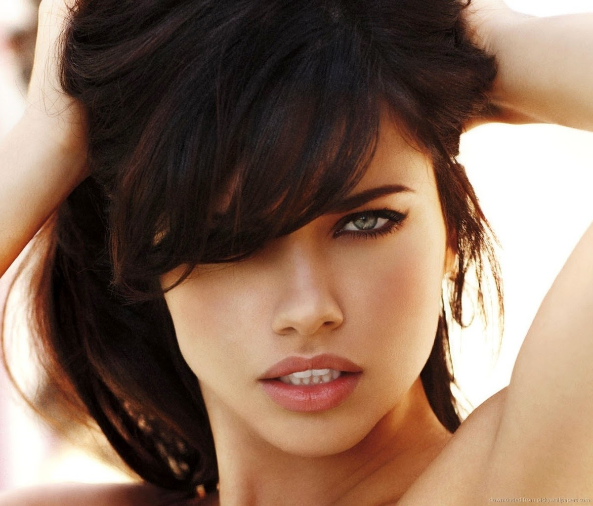 Adriana Lima: Hollywood Actress Wallpaper: Adriana Lima HD Wallpapers