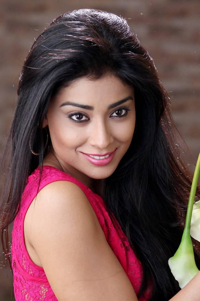 Shreya Saran Latest Photos Gallery