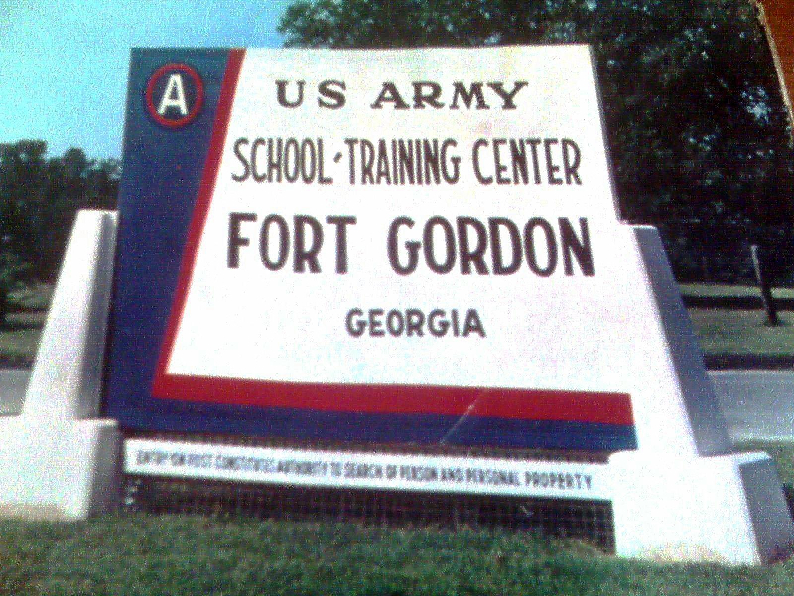 taipei signal army  the korean war  and camp gordon