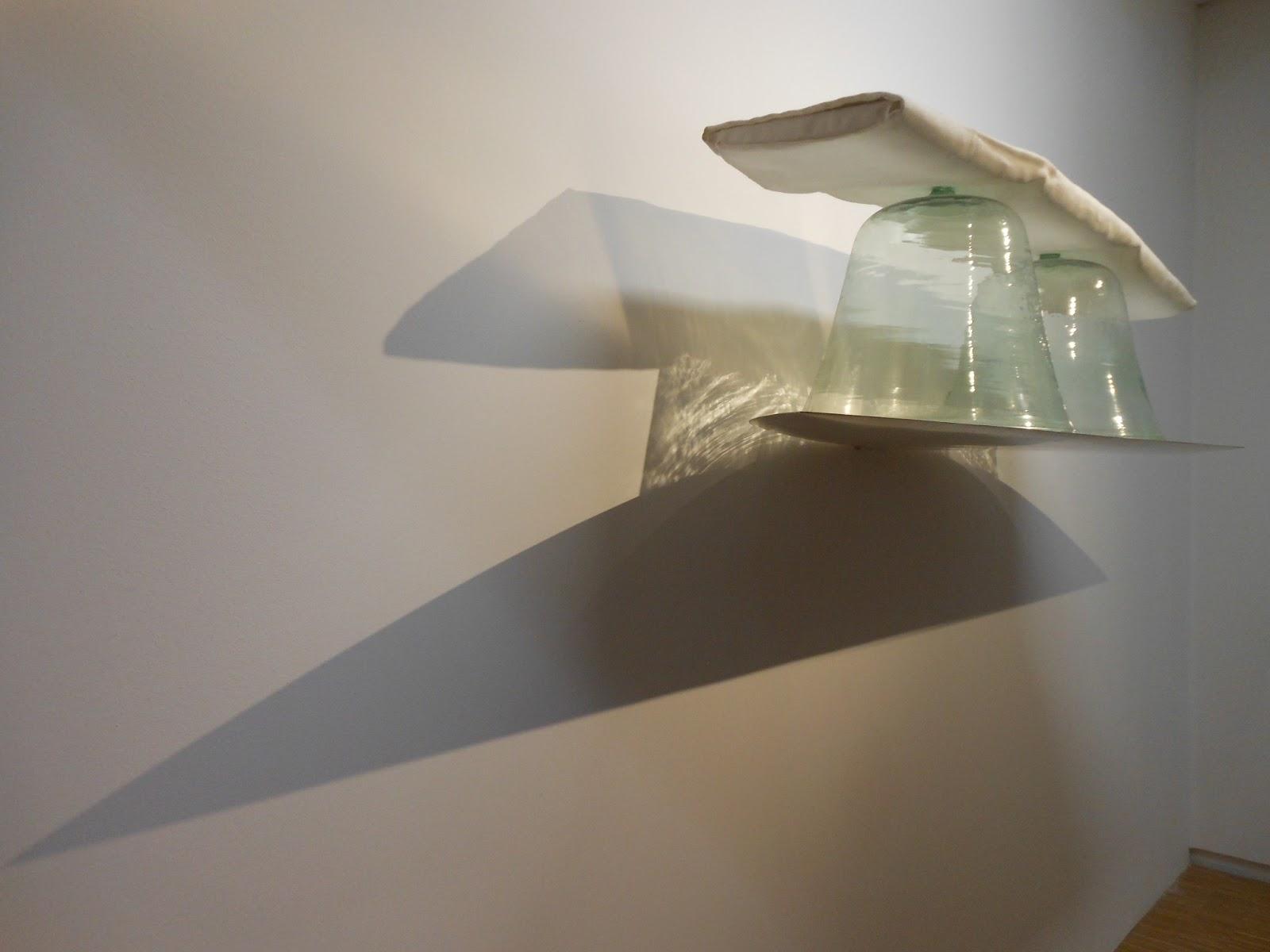 Art with a needle fiber at the pompidou 2 for Art minimal pompidou