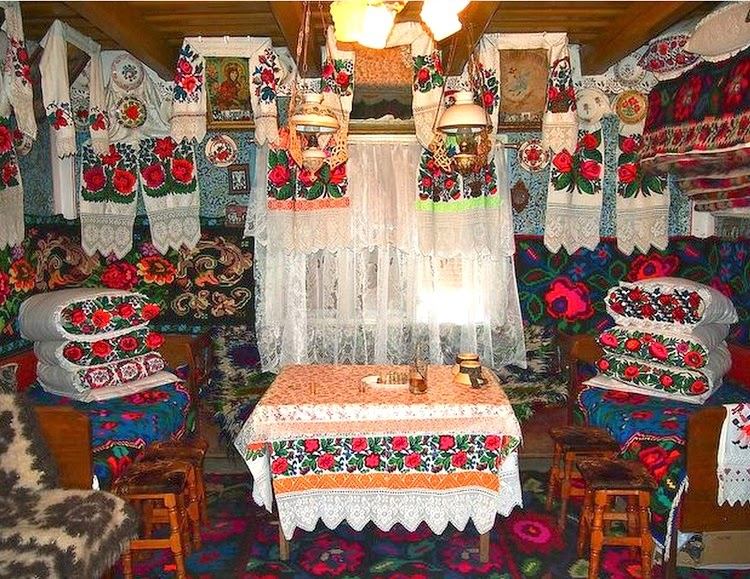 Traditional Romanian Home & Textile Display