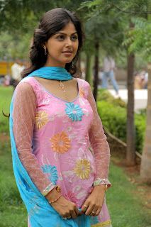 Monal Gajjar latest gorgeous Pictures 011.jpg