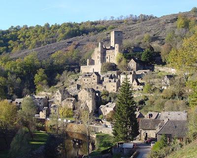 Aldeia na região de Midi-Pyrenées, França