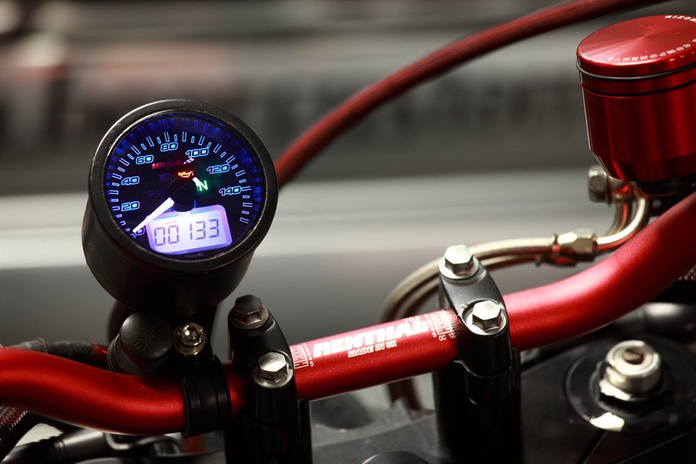 CAF   RACER 76  2012