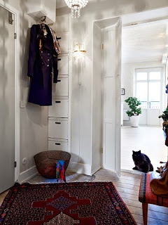 Ciekawy dywan w przedpokoju