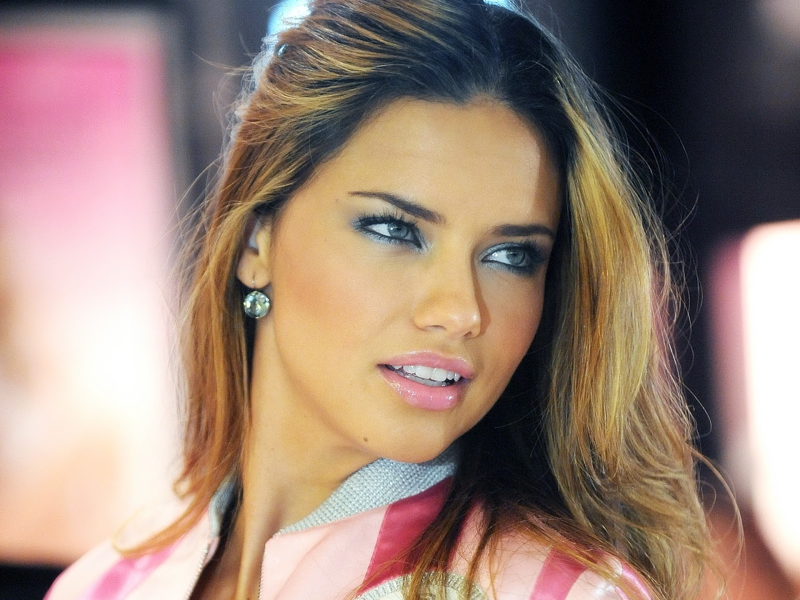 The Best Top Desktop Adriana Lima Wallpapers In All Kind Of Resolutions And Sizes For Your PC Windows XP Vista 7 Mac OS