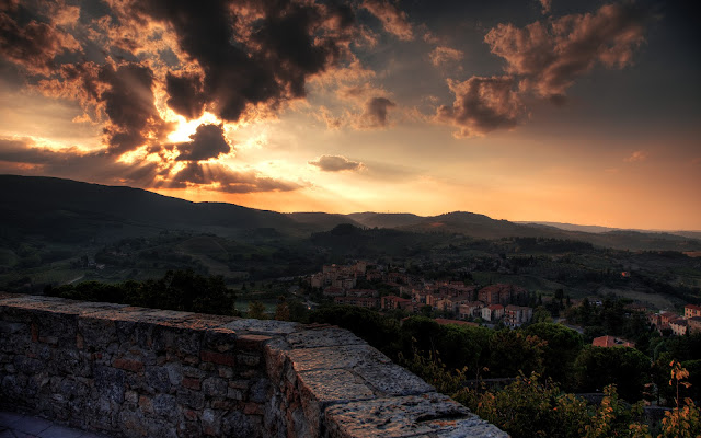 Atardecer en Toscana Region de Italia - Fotos de Italia