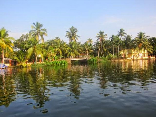 90. Kerala Backwaters (Kochi, India)