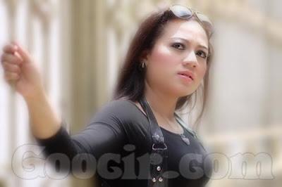 Profil dan Biodata  Artis dangdut koplo IIS sagita