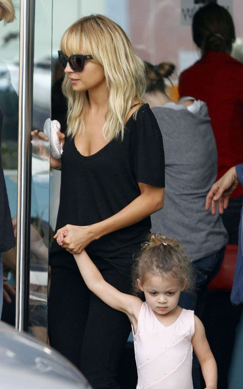 SPOTTED: Nicole Richie And Little Harlow!