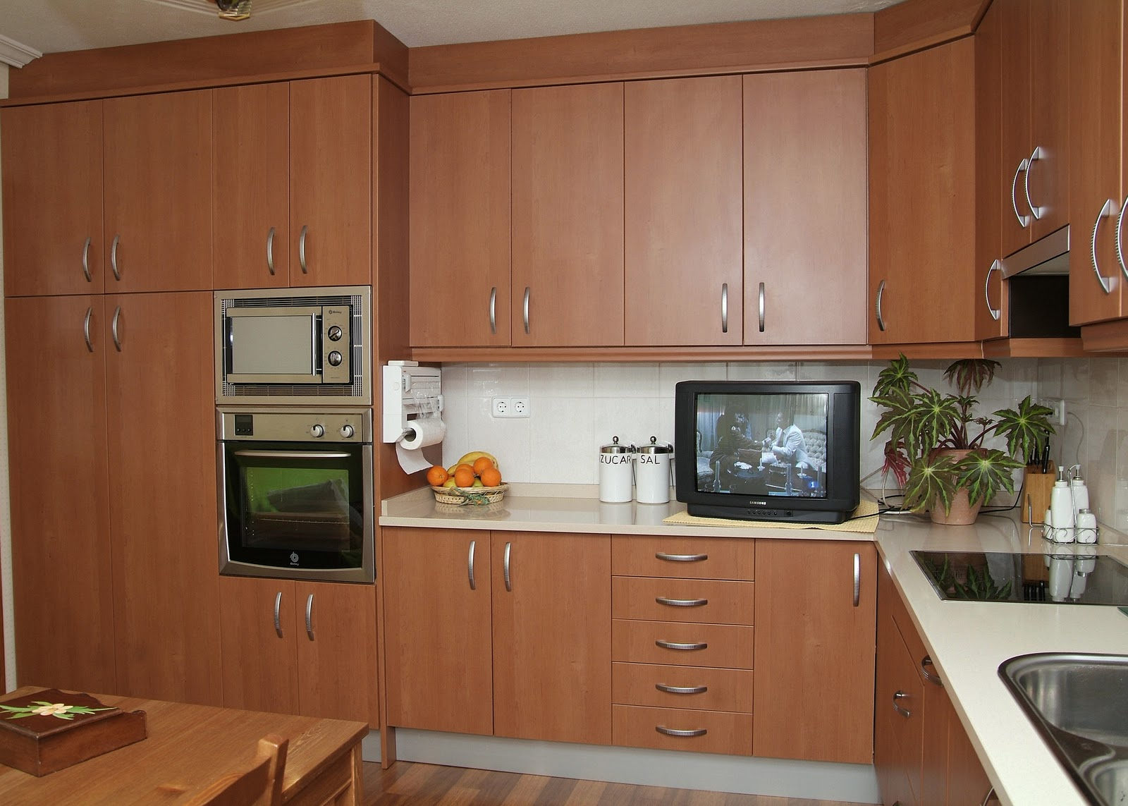 Cocisan cocina formica con cierre al techo - Muebles de cocina de formica ...