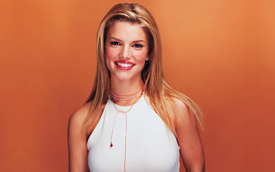 Jessica Simpson HD Wallpaper Look Nice