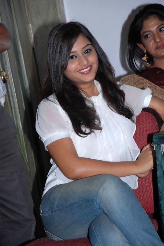 Ramya Barna  Kannada Actress Cute Stills PicsPhotos  Ramya Barna Wiki sexy stills