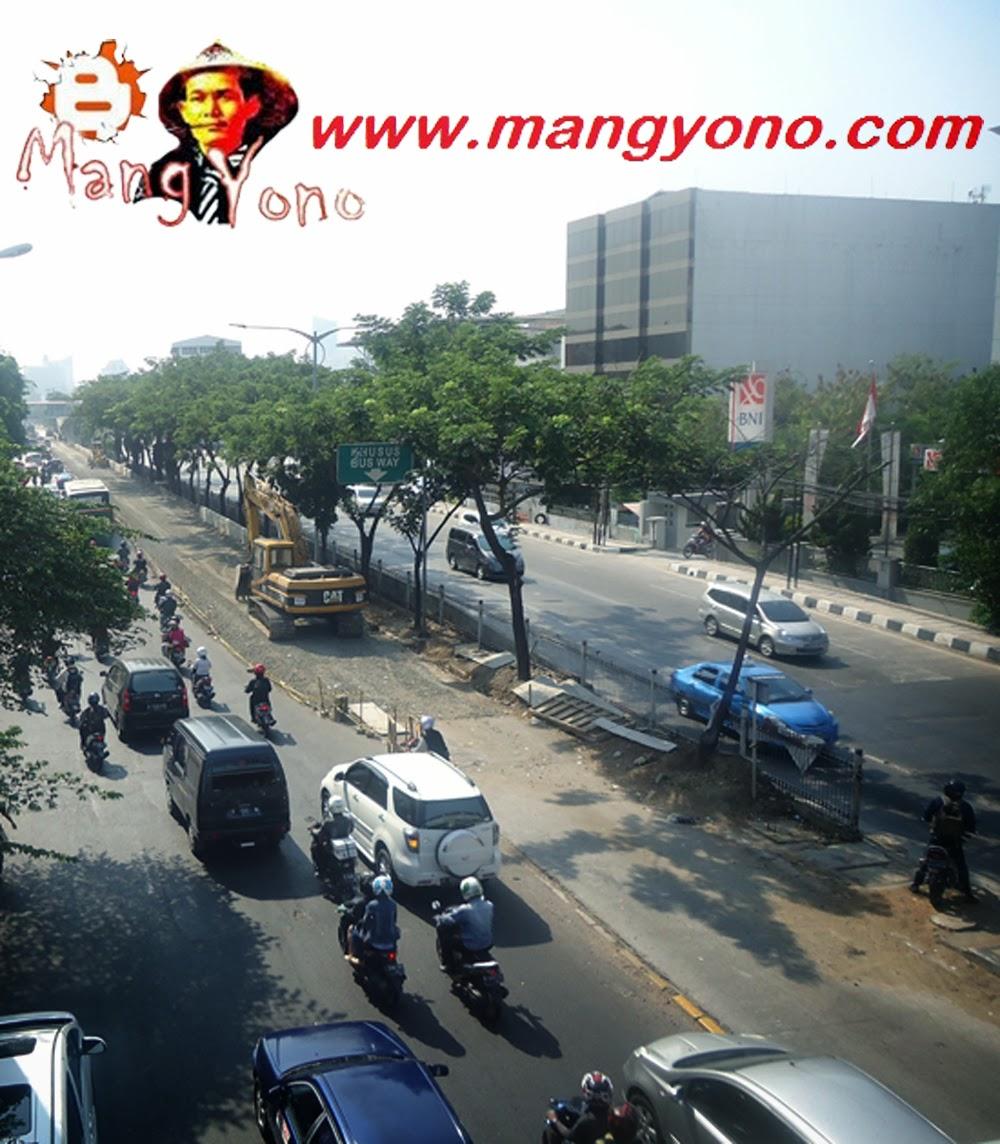 Ini Jalur Jl. Daan Mogot depan Indosiar  arah dari Kalideres ke arah Grogol