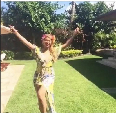 "Nigerian Designer Who Beyonce Wore Her Fabric ""Over Crazed"" With Joy As She Tells Her Story"