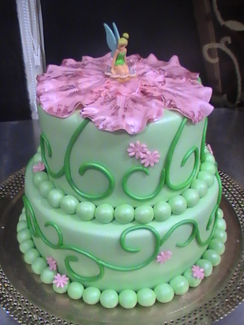 Green Birthday and Wedding Cakes : Tinkerbell Disney  Food and Drink