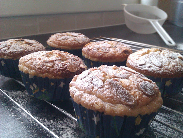 Bitesize Bakewell Cake