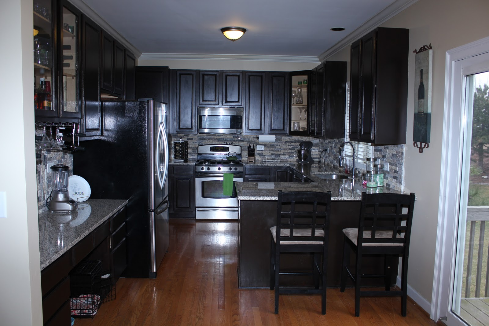 Your fabulous life do it yourself kitchen cabinet refacing for Kitchen cabinet refacing