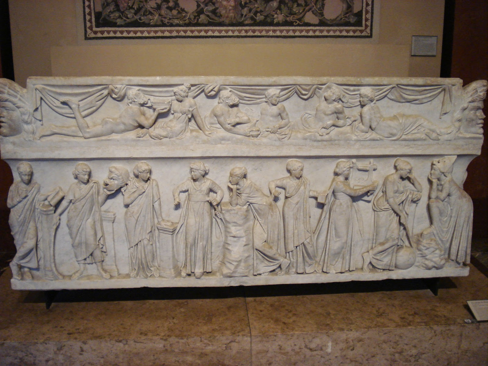 Sarcophage des muses, 1-2e siècle, musée du Louvre